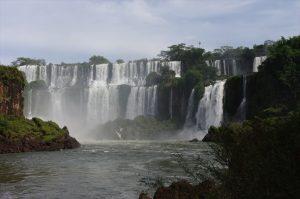 Reihe der Wasserfälle – Imressionen aus Iguazú